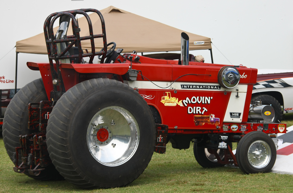 Ih Pulling Tractors : Case ih pulling tractors bing images